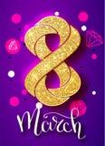 8 de março o brilho do ouro para o cartão do dia das mulheres e o luxo text a rotulação em um fundo branco Conceito do dia da mul Imagem de Stock Royalty Free