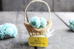 8 de março o dia, a rotulação e as flores da mulher Foto de Stock