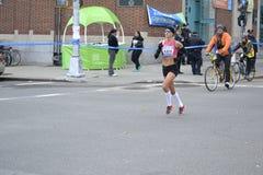 De Marathon van Kara Goucher Runner NYC Stock Foto
