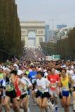 de maraton paris start Arkivfoton