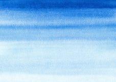 De mariene of marineblauwe waterverfgradiënt vult achtergrond Watercolourvlekken Samenvatting geschilderd malplaatje met document