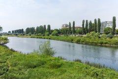 De Maritsa-Rivier, die door de stad van Plovdiv overgaan Royalty-vrije Stock Afbeeldingen