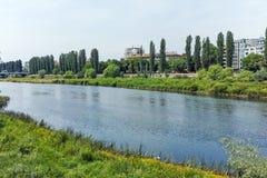 De Maritsa-Rivier, die door de stad van Plovdiv overgaan Royalty-vrije Stock Foto