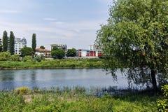 De Maritsa-Rivier, die door de stad van Plovdiv overgaan Royalty-vrije Stock Afbeelding