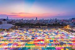 De Markt Ratchada van de treinnacht in Bangkok, Thailand Bangkok is royalty-vrije stock foto