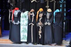 De markt van Abaya in Arabische stad Stock Foto
