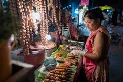 De markt van de nacht in Chiang MAI, Thailand Stock Foto's