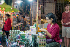 De markt van de nacht in Chiang MAI, Thailand Stock Afbeeldingen