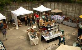 De markt van de pottenbakker stock afbeeldingen