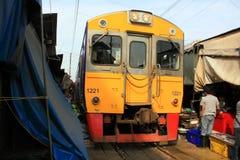 De Markt van de Trein van Thailand Maeklong Stock Fotografie