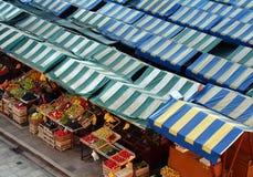 DE MARKT VAN HET FRUIT Stock Foto's
