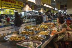 De Markt van Thanin - MAI Chiang - Thailand Stock Foto's
