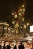 De markt van Kerstmis bij vierkant Vörösmarty in Boedapest Stock Foto's