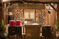 De markt van Kerstmis bij vierkant Vörösmarty in Boedapest Stock Foto