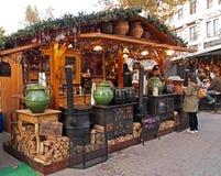 De markt van Kerstmis in Boedapest, Hongarije Stock Foto