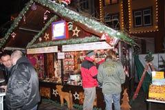 De markt van Kerstmis in Offenburg, Duitsland Stock Foto's