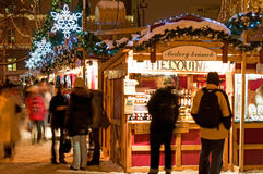 De Markt van Kerstmis in Praag Stock Foto