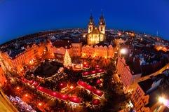 De Markt van Kerstmis in Praag, Tsjechische Republiek Stock Fotografie