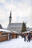 De Markt van Kerstmis in Tallinn, Estland Stock Foto