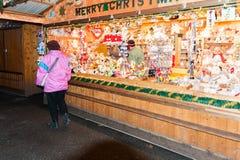De markt van Kerstmis in Wenen, Oostenrijk Stock Foto's