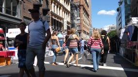 De Markt van de de Stadsstraat van New York stock video