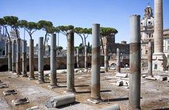 De markt van Trajan met oude kolommen, Rome, Italië Royalty-vrije Stock Afbeeldingen