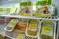 De markt van veganistproducten waar de landbouwers en de bedrijven hun producten aan substituut het van de consument vlees van Se royalty-vrije stock fotografie