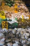 De markt van zeevruchten stock fotografie