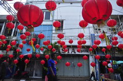 De markten stemden in met het Chinese Nieuwjaar in Semarang Stock Foto