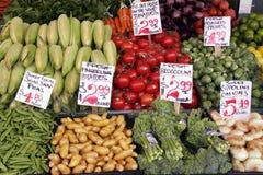 De marktopbrengst van de landbouwer Stock Foto's