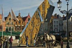 De marktvierkant van Brugge Stock Afbeeldingen