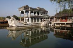 De marmeren boot. Het de Zomerpaleis, Peking Stock Afbeeldingen