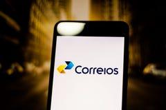 10 de marzo de 2019, el Brasil Logotipo de los 'Brazilian Company de postes y de los telégrafos en la pantalla del dispositivo mó fotos de archivo