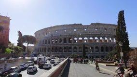 21 de marzo 2019: Italia Colosseum los turistas de Roma, en viajes de la ciudad en la primavera editorial almacen de metraje de vídeo