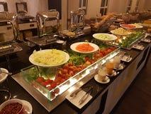 5 de marzo Kuala Lumpir El desayuno de la comida fría puesto en Ibis diseña el hotel Imagenes de archivo