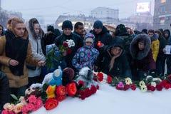 27 de marzo de 2018, RUSIA, VORONEZH: La acción de conmemorar a las víctimas del fuego en el centro comercial en Kemerovo foto de archivo