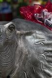 De Mascotte van de Voetbal van Alabama in de Tand van Honden Stock Foto