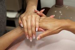 De massage van de hand Royalty-vrije Stock Afbeeldingen