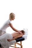 De massage van de schouder stock afbeeldingen