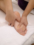 De massage van de voet Royalty-vrije Stock Afbeeldingen