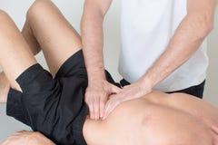De massage van het spierweefsel royalty-vrije stock fotografie