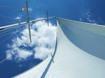 De mast van de zeilboot. royalty-vrije stock afbeeldingen