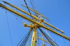 De mast van een varend schip Stock Foto's
