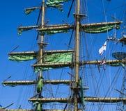 De masten van de zeilboot stock fotografie