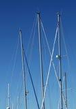 De Masten van het jacht Stock Foto