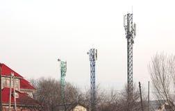 De masten van mobiele exploitanten stock foto's