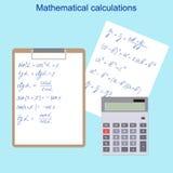 De matematiska formlerna Räknemaskin, minnestavla och vitbok Arkivbilder