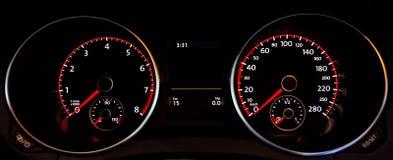 de maten van het autodashboard stock afbeelding