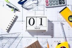 1 de mayo calendario Día internacional del ` de los trabajadores Concepto del Día del Trabajo Imágenes de archivo libres de regalías