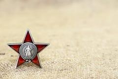 9 de mayo - día de la victoria Orden de la estrella roja tarjeta Imagenes de archivo